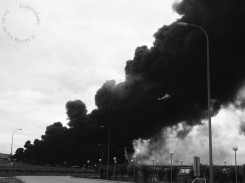 Incendio vertedero ilegal neumáticos
