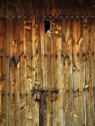 Puerta establo